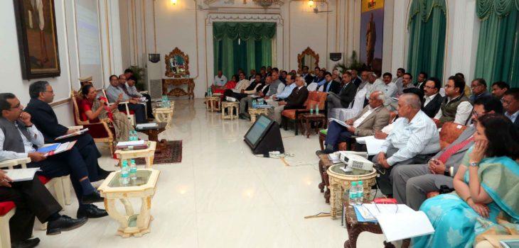 सम-सामयिक प्रसंगों पर अनुसंधान को प्रोत्साहित करें -राज्यपाल श्रीमती पटेल